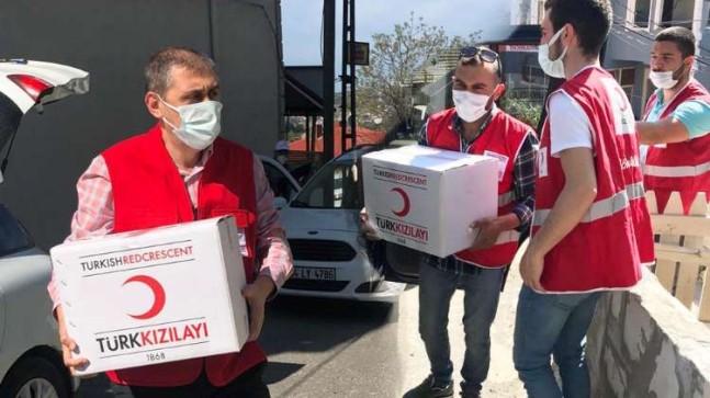 Kızılay Beykoz Şubesi yasaklarda da ihtiyaç sahiplerine ulaştı